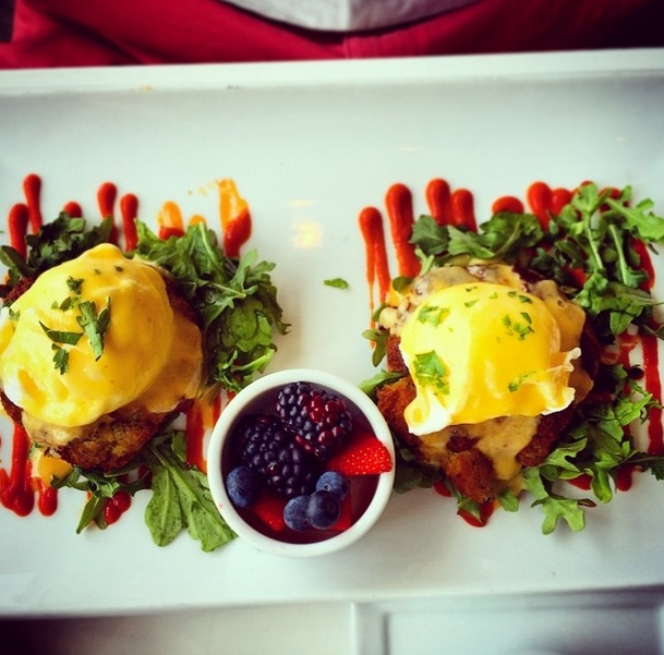 Eat This Cafe Crab Cake Benedict
