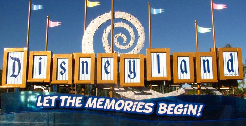 Disneyland Memories Sign