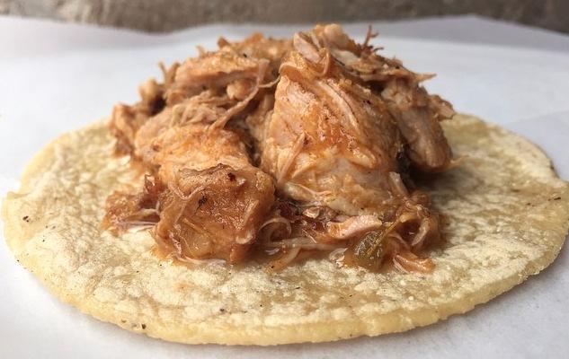 Guisados Tacos