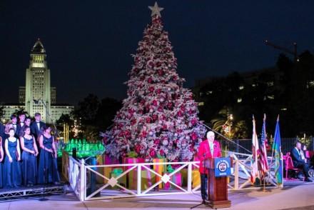 2014 Tree Lighting Ceremony Music Center
