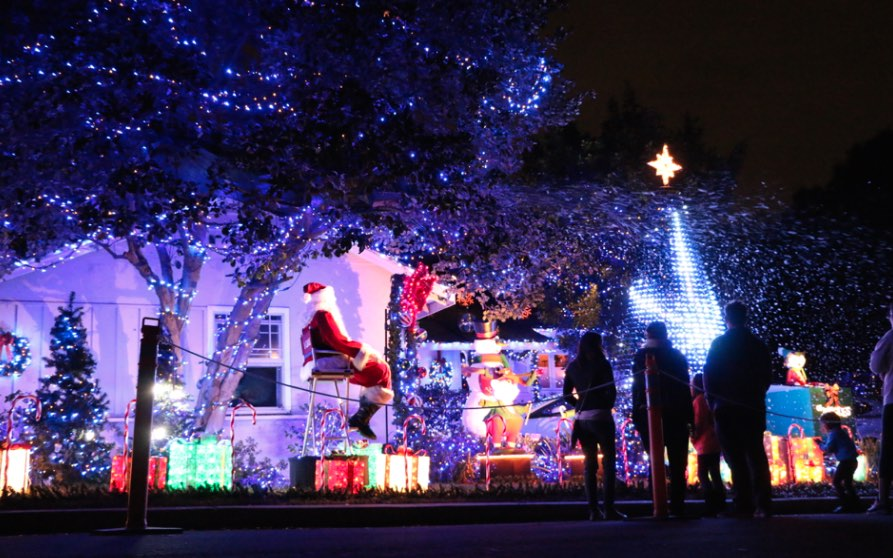 Where are the Best Christmas Lights in Los Angeles? -