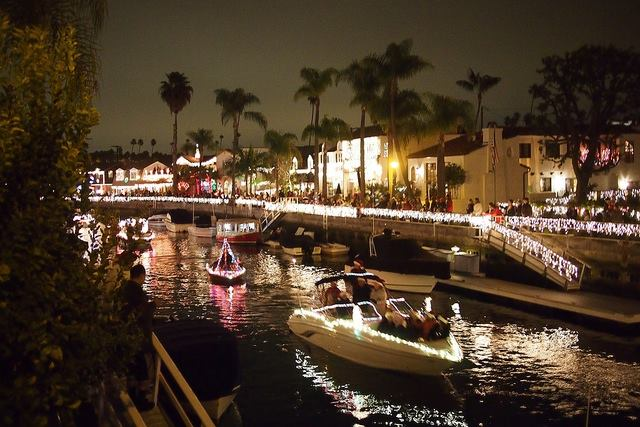 Annual Naples Island Holiday Boat Parade Canal Area Walkabout In Long Beach
