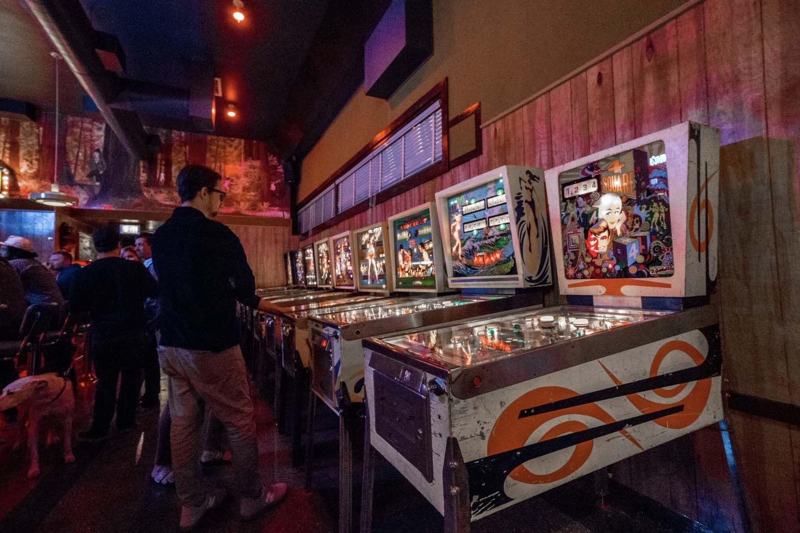 Walt's Bar Eagle Rock
