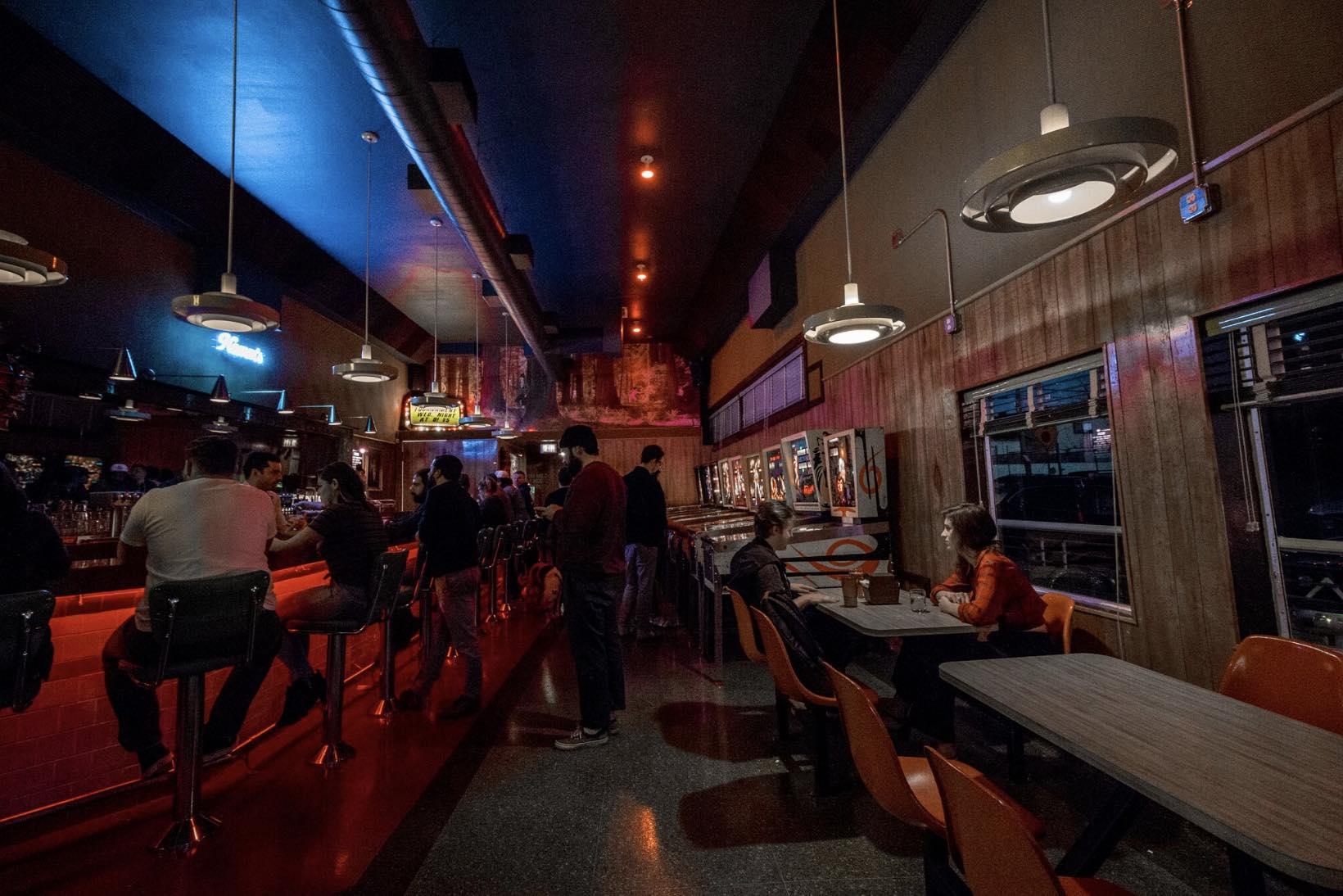 Walt's Bar in Eagle Rock