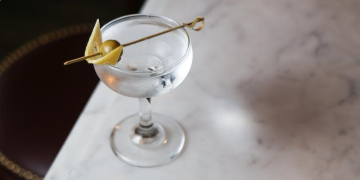 Spirited Dinner: The History of Gin According to Cocktails