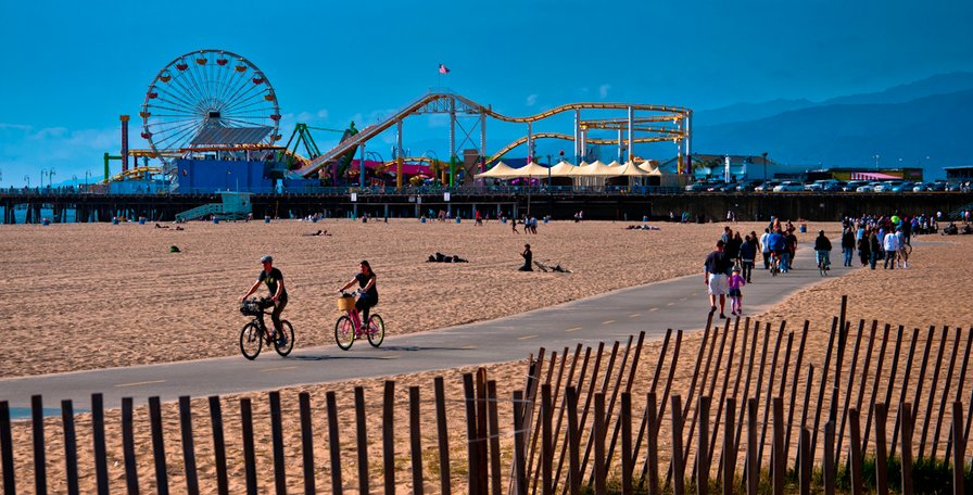 Santa Monica Pier Beach Walk