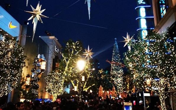 The Grove's Annual Tree Lighting Ceremony Kicks Off the Holiday Season on  November 14 - The Grove's Annual Tree Lighting Ceremony Kicks Off The Holiday