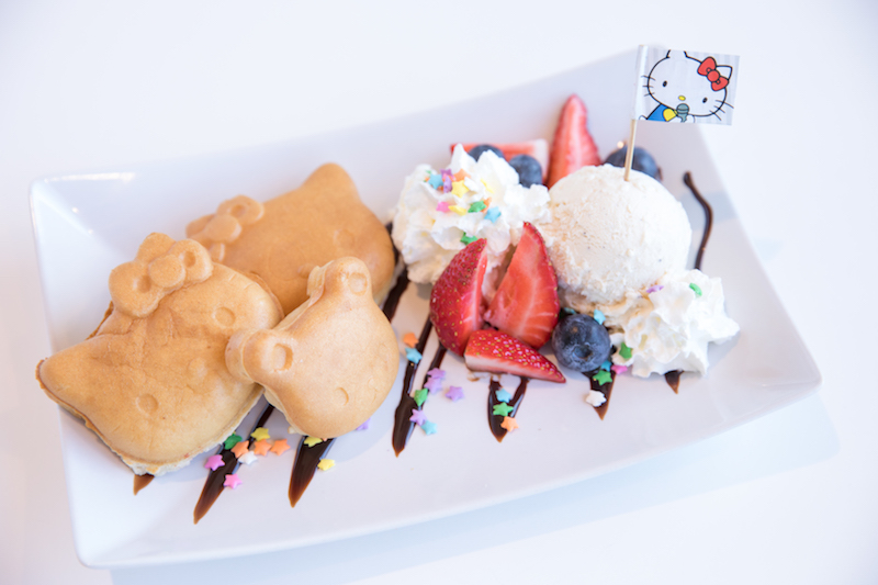 hello-kitty-mimmy-waffle-ice-cream-sanrio-energy-bistro-karaoke