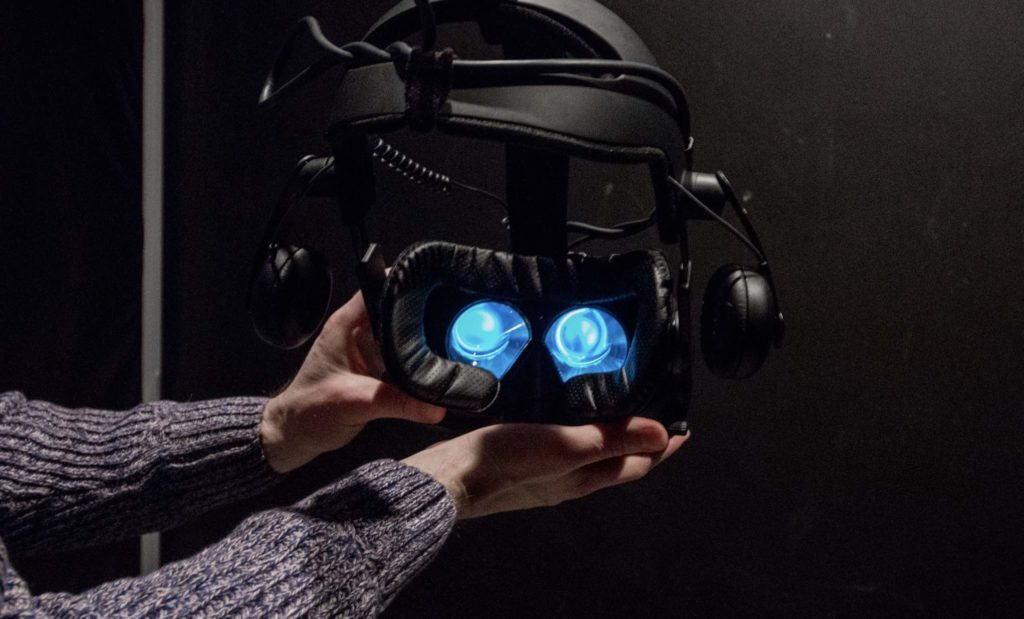 Virtual Room headset