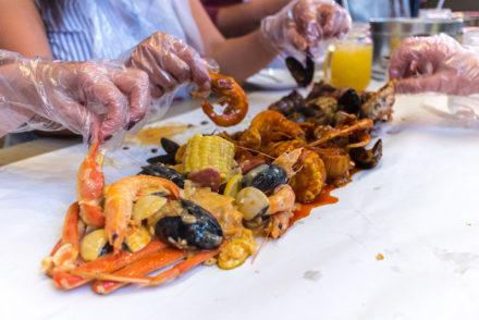 seafood boil crackin kitchen